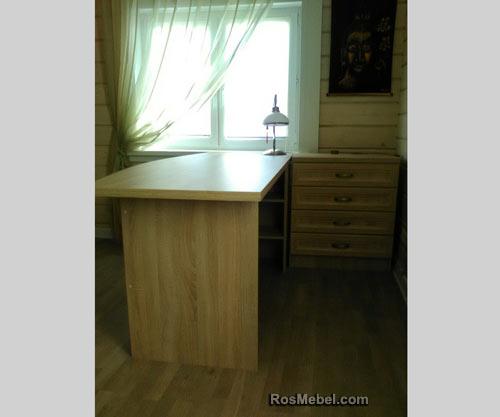 Письменные столы на заказ для кабинета