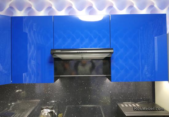 Кухня синяя с черным