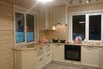Кухня массив бука, вставка МДФ в матовой эмали с протирами