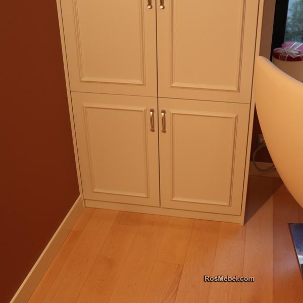 Встроенные шкафы в кабинет