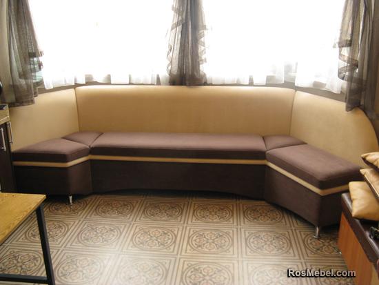 Эркерный кухонный диванчик